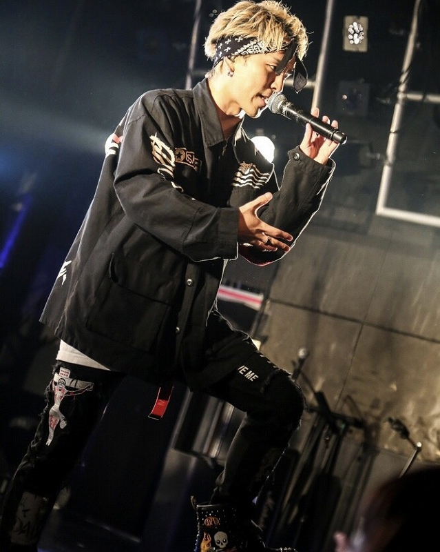 Brand New Vibes 敬太郎 × PCTOKYO 着用写真202002-14